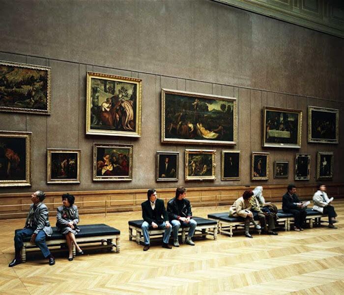 Exposição no Louvre