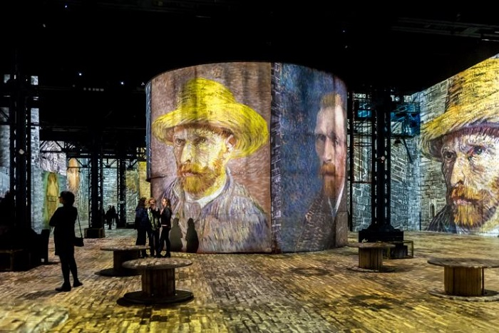 Autoretratos de Van Gogh na exposição interativa