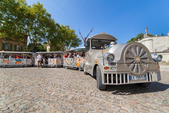 Trenzinho em Avignon