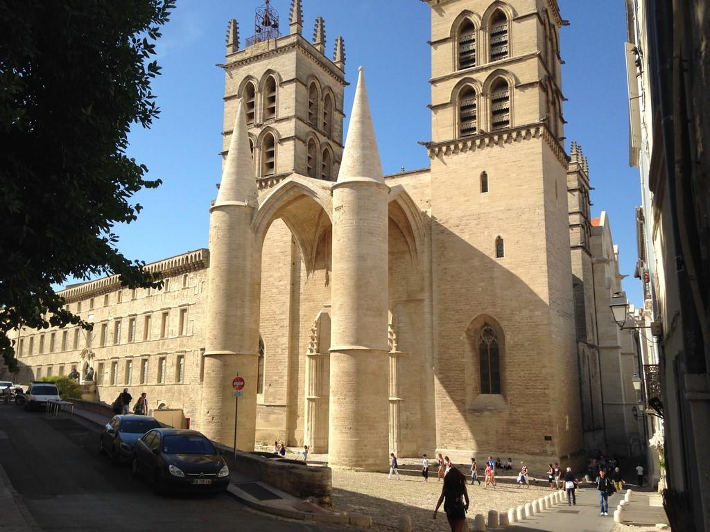 Vista da Catedral de Montpellier