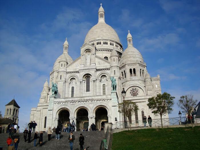 Bairro de Montmartre em Paris - Basílica Sacre Coeur