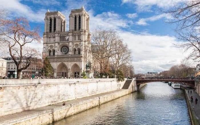 Pontos turísticos em Paris - Catedral de Notre Dame