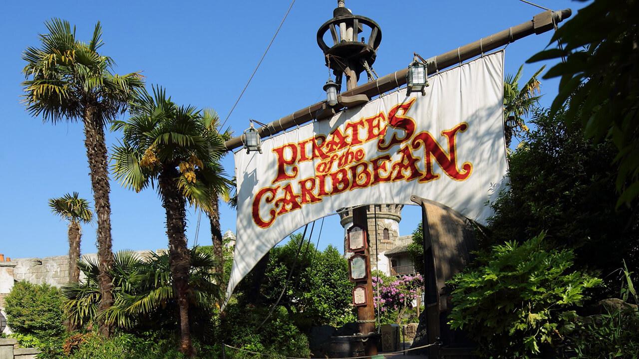 Atração piratas do Caribe na Disneyland Paris
