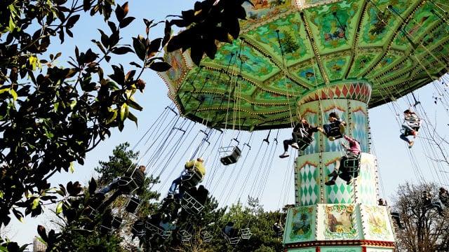 Jardin d'Acclimatation com as crianças em Paris