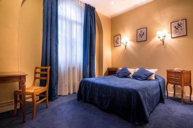 Hotel des Arts em Paris - quarto