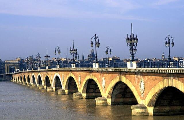 Vista da ponte de Bordéus
