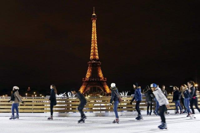 Patinação no Trocadéro em Paris