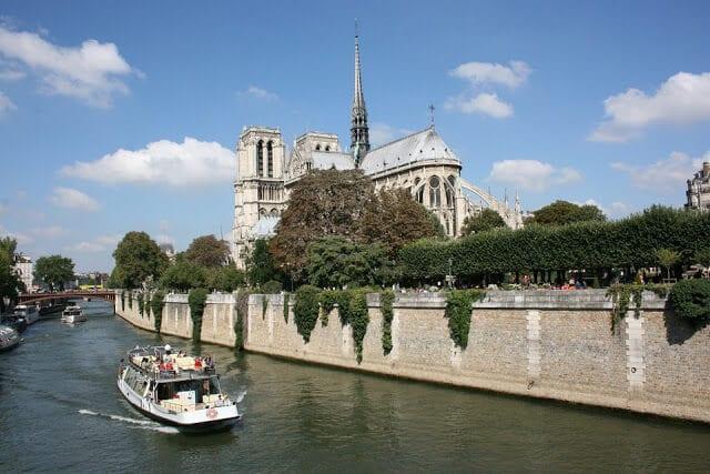 Notre Dame a partir do Sena