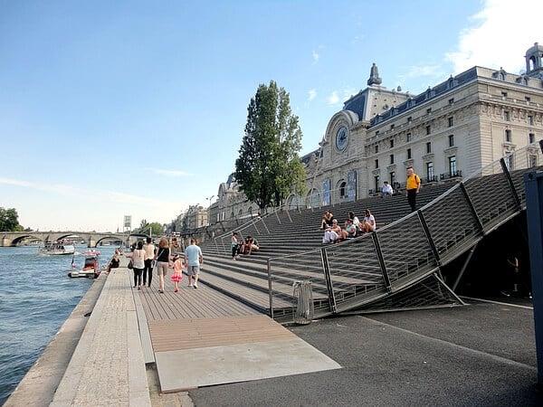 Museu d'Orsay a partir do Sena