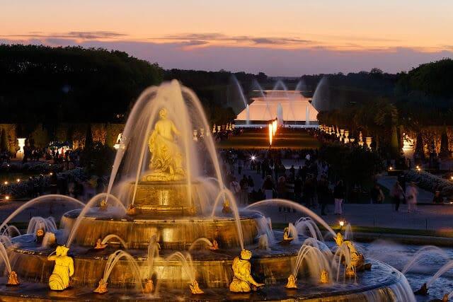 Show de Fontes e Jardins Musicais em Versalhes