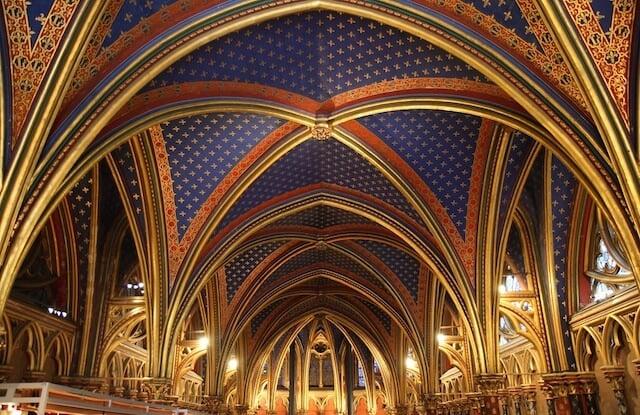 Detalhes do Teto da Sainte Chapelle em Paris