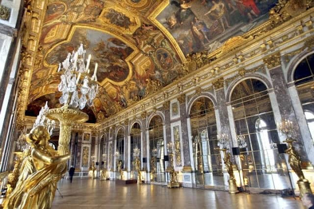 Galeria dos Espelhos do Palácio de Versalhes