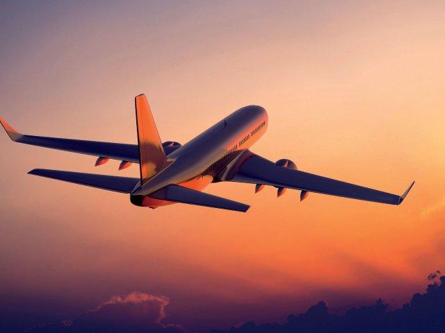 Avião na França
