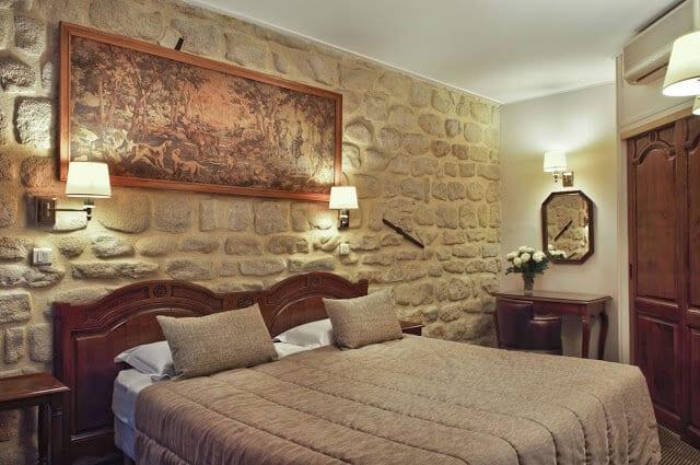 Hotel Minerve em Paris - quarto