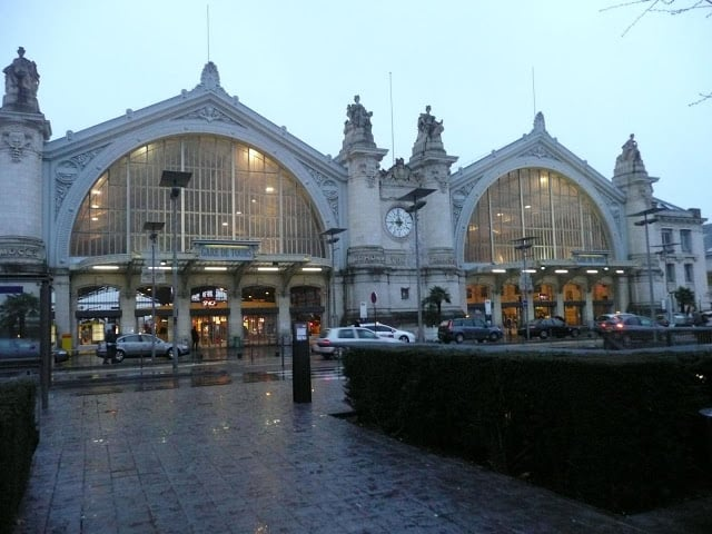 Viagem de trem de Nantes a Paris