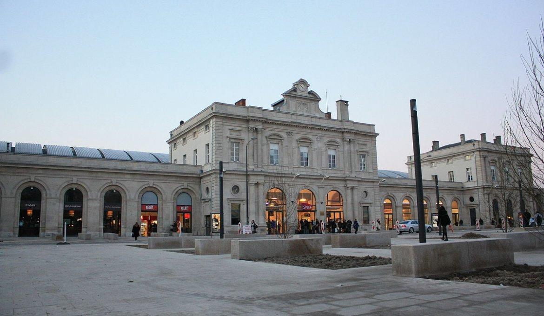 Viagem de trem de Reims a Paris