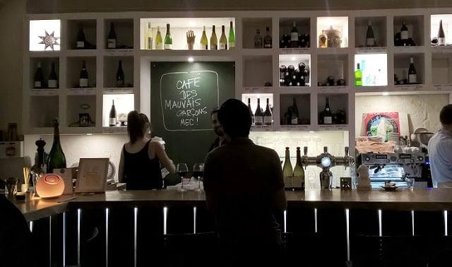 Le Café des Mauvais Garçon - Interior