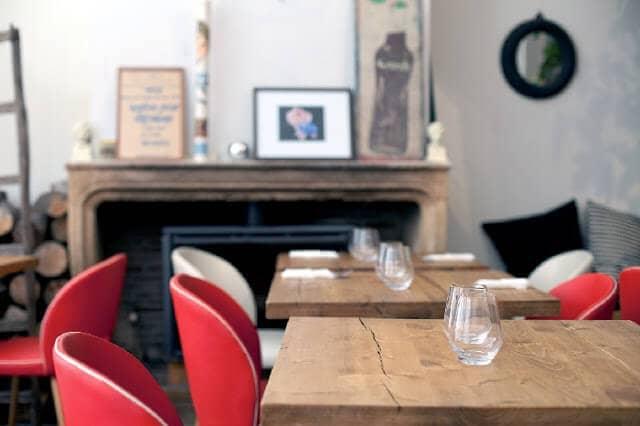 Le Café des Mauvais Garçon - Mesas