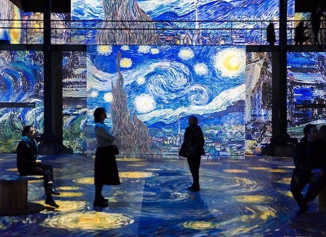 Exposição imersiva de Van Gogh no Atelier des Lumières em Paris