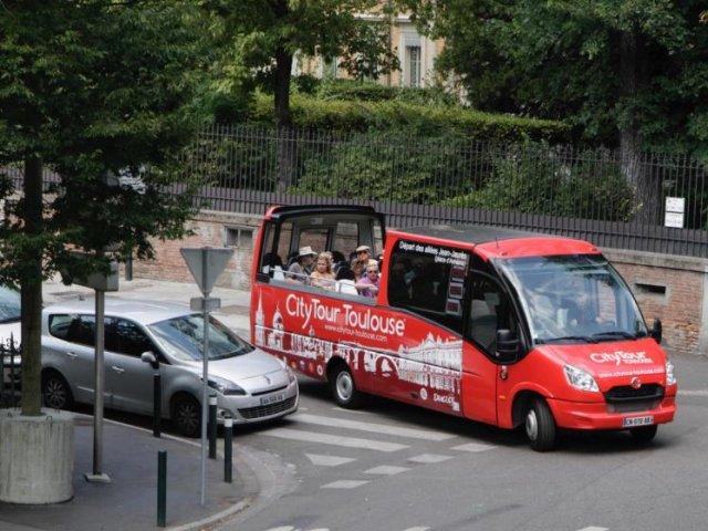 Passeio de ônibus turístico em Toulouse