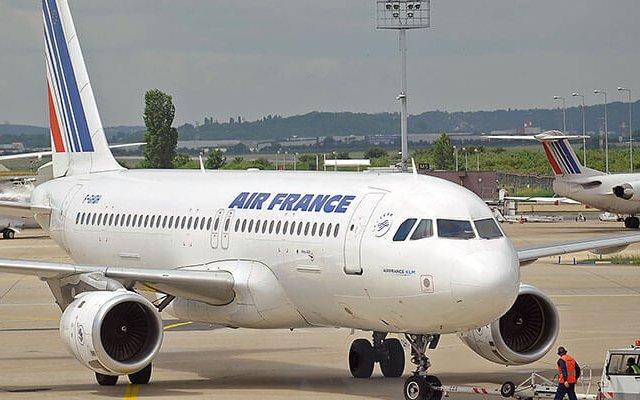 Tempo de avião até Marselha