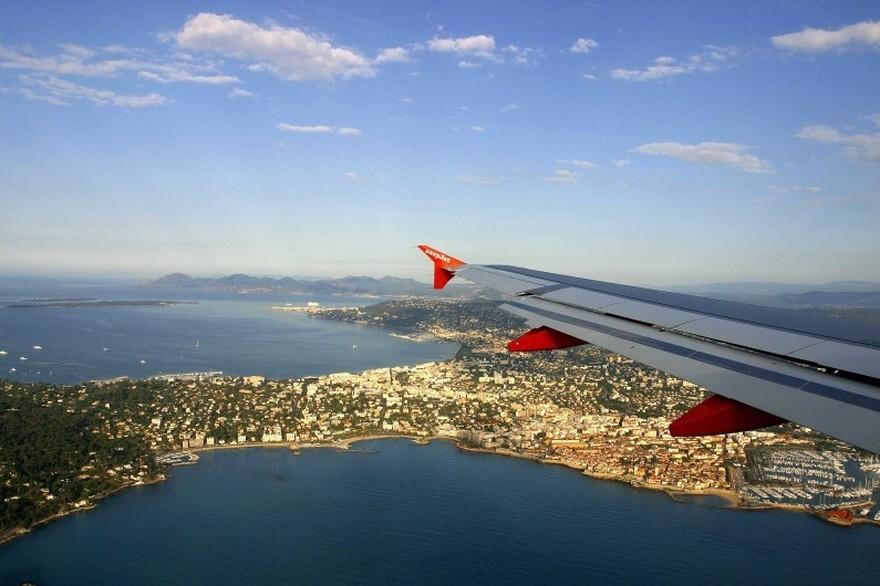 Tempo de avião até Nice